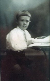 Ralph Beeching Potter                b. 5-8-1917 d. 6-5-90 (My father)