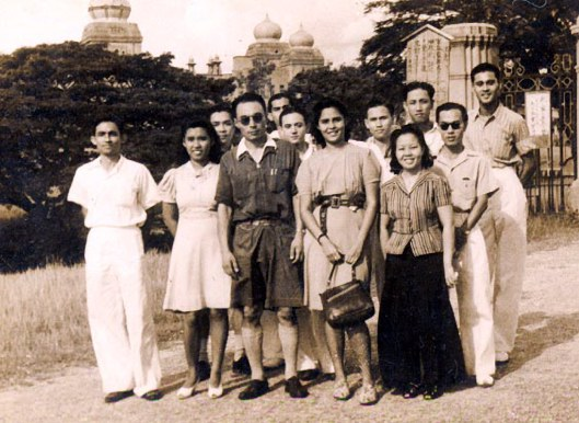1943 at Kuala Kangsar, Sultan's Palace, back row fourth from right.